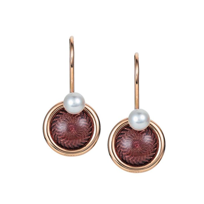 Gold-Ohrringe mit auberginerot emailliertem Guilloche und Akoya-Perlen