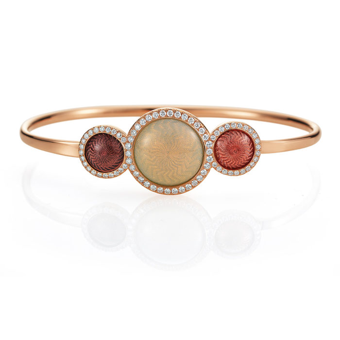 Gold-Armreif mit rotem und orangefarben emaillierten Guilloche und Diamanten
