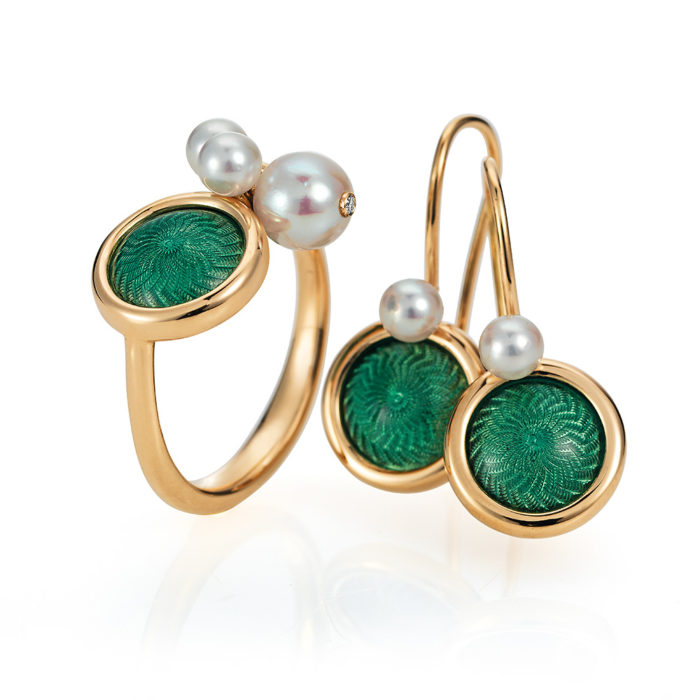 Gold ring with green enameled guilloche and Akoya pearls and matching earrings
