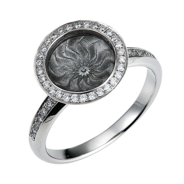 Diamant-besetzter Gold-Ring mit silberfarben emailliertem Guilloche