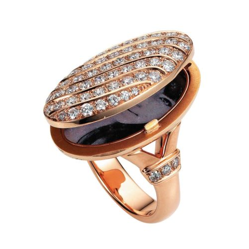 Diamond-set gold ring with locket for your own pictures