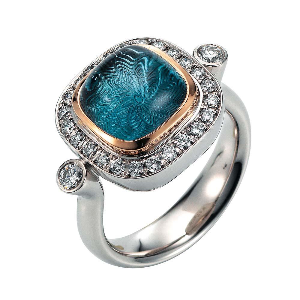 Gold Ring it blauem Edelstein und Diamanten