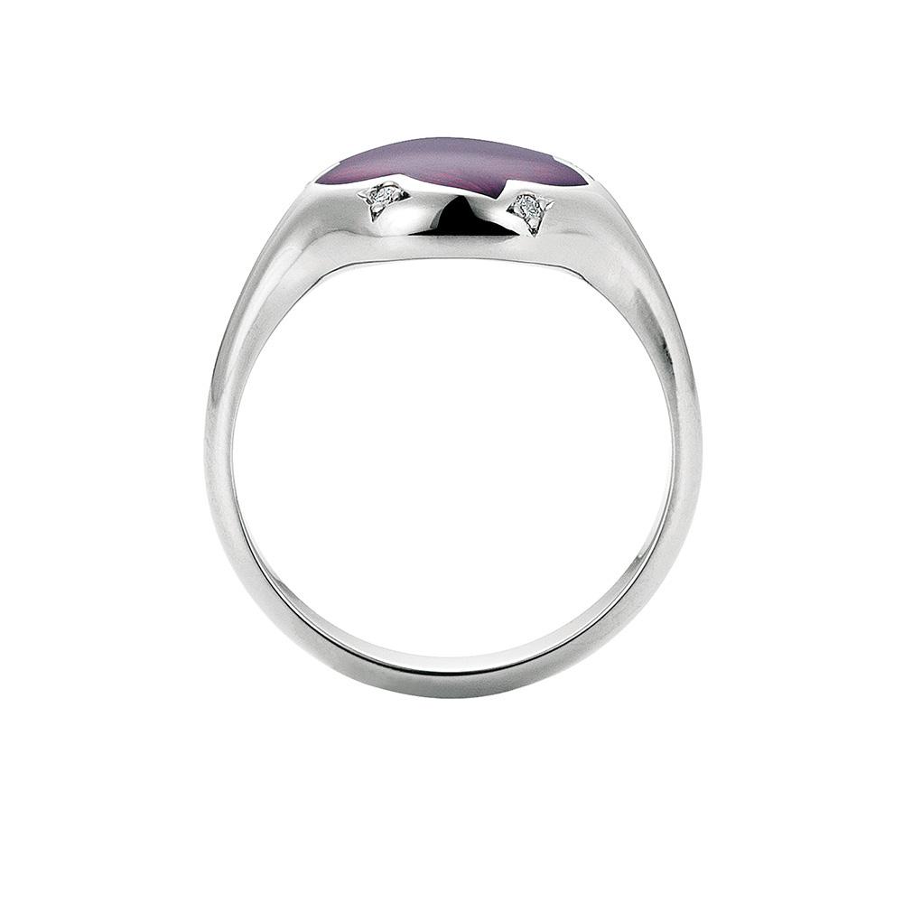Diamant-besetzter Gold-Ring mit opalhimbeerfarben emailliertem Guilloche