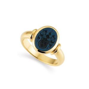 Gold Niccolo Signet ring with family crest engraving